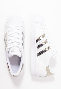 adidas Originals - SUPERSTAR - Baskets basses - footwear white/silver metallic - 5