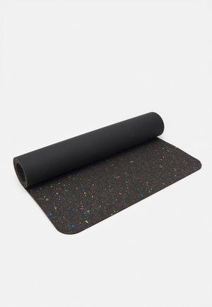 EVOLVE YOGA MAT 5 MM - Fitness/yoga - black/black/black