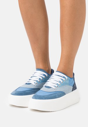 Sneakers laag - marina/forever blue/twilight blue/hydro