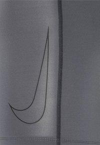 Nike Performance - SHORT - Culotte - iron grey/black - 2