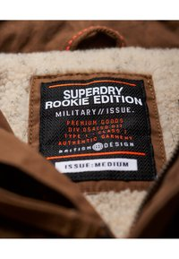 Superdry - CLASSIC ROOKIE  - Light jacket - rusty gold - 4
