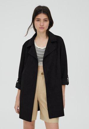 Krátký kabát - black