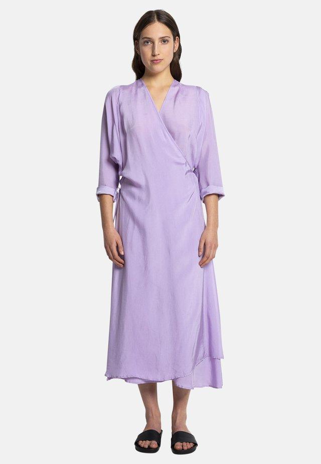 DUVA - Day dress - lila