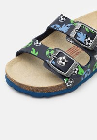 Superfit - FUSSBETTPANTOFFEL - Domácí obuv - blau - 5