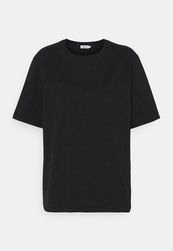 DAGNY - Basic T-shirt - black