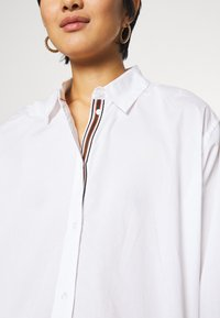 TOM TAILOR - BLOUSE SOLID LOOSE SHAPE - Button-down blouse - white - 7