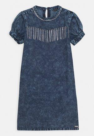 JUNIOR DRESS  - Denimové šaty - cloudy blue