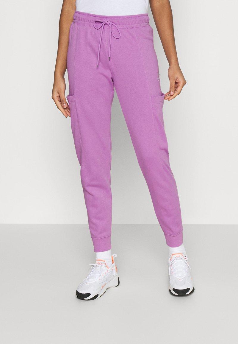 Nike Sportswear - AIR PANT - Tracksuit bottoms - violet shock