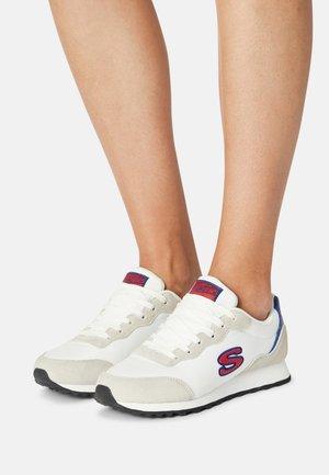 OG 85 - Trainers - white/red/navy