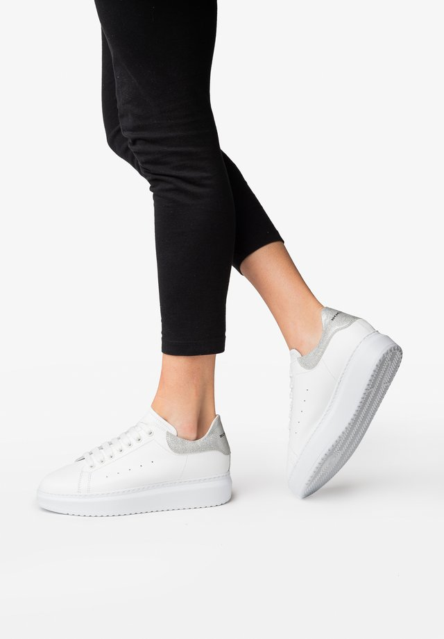 GALA - Trainers - white