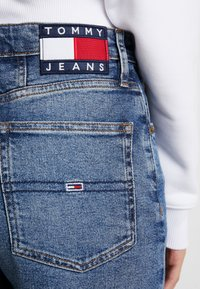 Tommy Jeans - HIGH RISE - Jeans baggy - ace mid - 4
