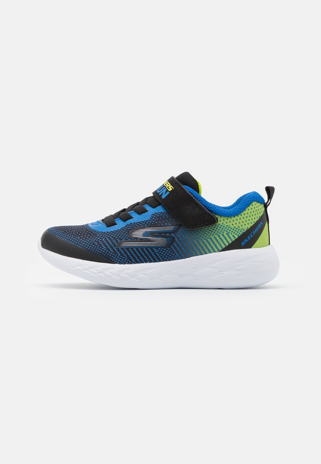 GO RUN 600 FARROX UNISEX - Neutral running shoes - black /lime/blue
