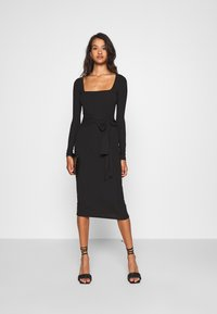 Missguided - SCOOP NECK SELF TIE MIDI DRESS - Shift dress - black - 1