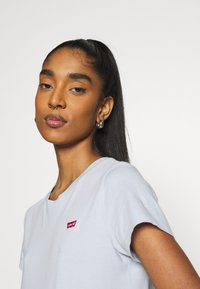 Levi's® - PERFECT TEE - Basic T-shirt - pearl gray - 3