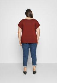Anna Field Curvy - Print T-shirt - dark red - 2