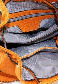 SURI FREY - TILLY - Käsilaukku - orange - 4