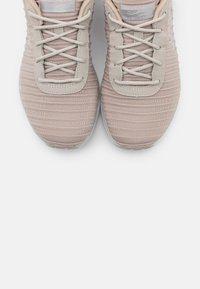 Skechers Sport - SKECH AIR - Trainers - taupe/white - 5