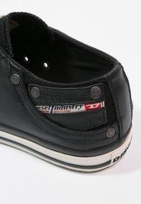 Diesel - EXPOSURE LOW I - Zapatillas - black - 5