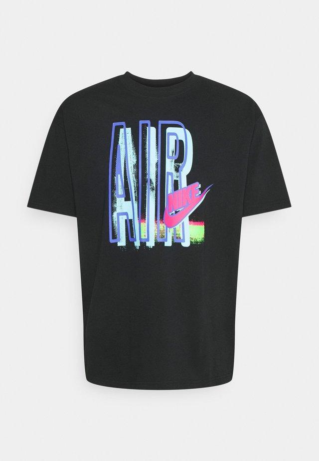 TEE AIR LOOSE FIT - Print T-shirt - black