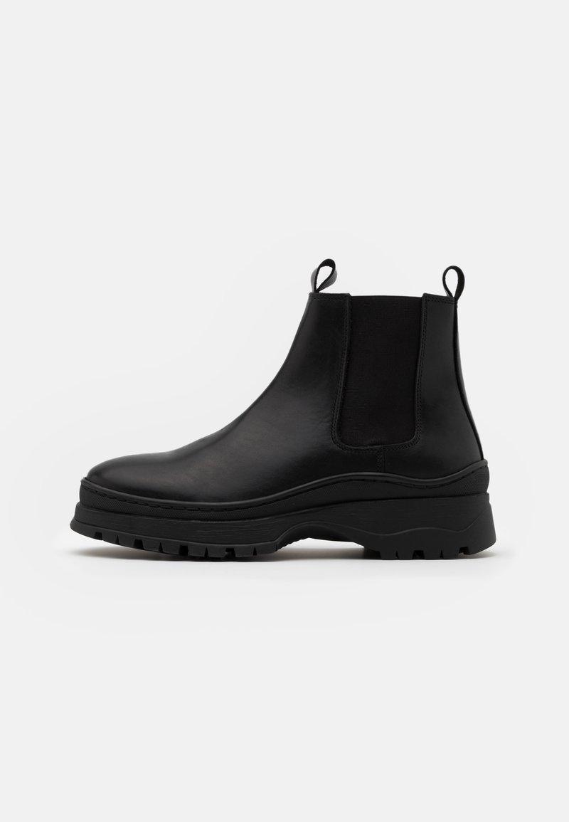 LAST STUDIO - JEROLD - Classic ankle boots - black