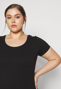 Anna Field Curvy - 3 PACK - T-shirts basic - white/black/dark grey - 5