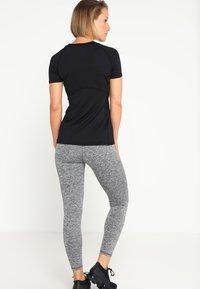 Superdry - T-shirt sportiva - black - 2