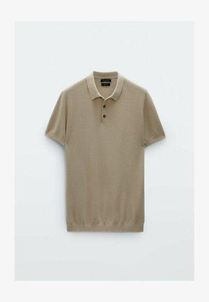 MIT POLOKRAGEN UND STRUKTURMUSTER - Polo shirt - beige
