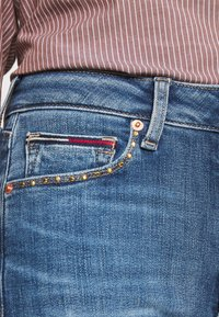 Tommy Jeans - SYLVIA HIGH RISE SKINNY ANKLE - Jeans Skinny Fit - harlow mid blue - 5