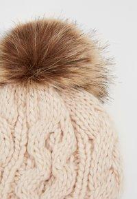 Barbour - PENSHAW CABLE BEANIE - Mütze - blush pink - 3
