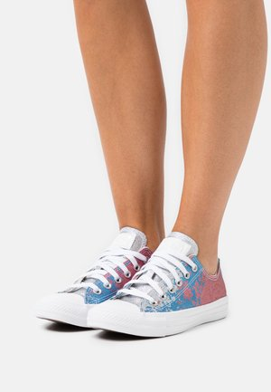 CHUCK TAYLOR ALL STAR SHIMMER AND SHINE - Sneaker low - pink salt/university blue/white