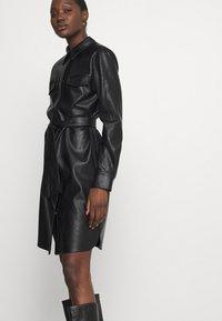 Opus - WELONI - Robe chemise - black - 3