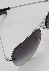 Ray-Ban - Sunglasses - silver gray - 2