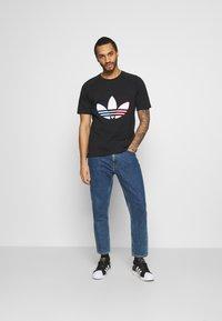 adidas Originals - TRICOL TEE UNISEX - T-shirts print - black - 1