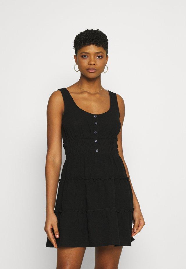 PETITIE KAYLA TIERED SLEEVELESS MINI DRESS - Sukienka letnia - black