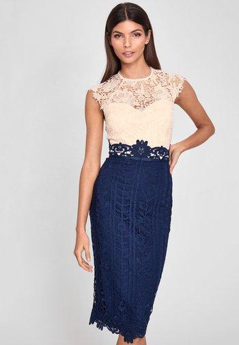 BODYCON DRESS - Shift dress - blue