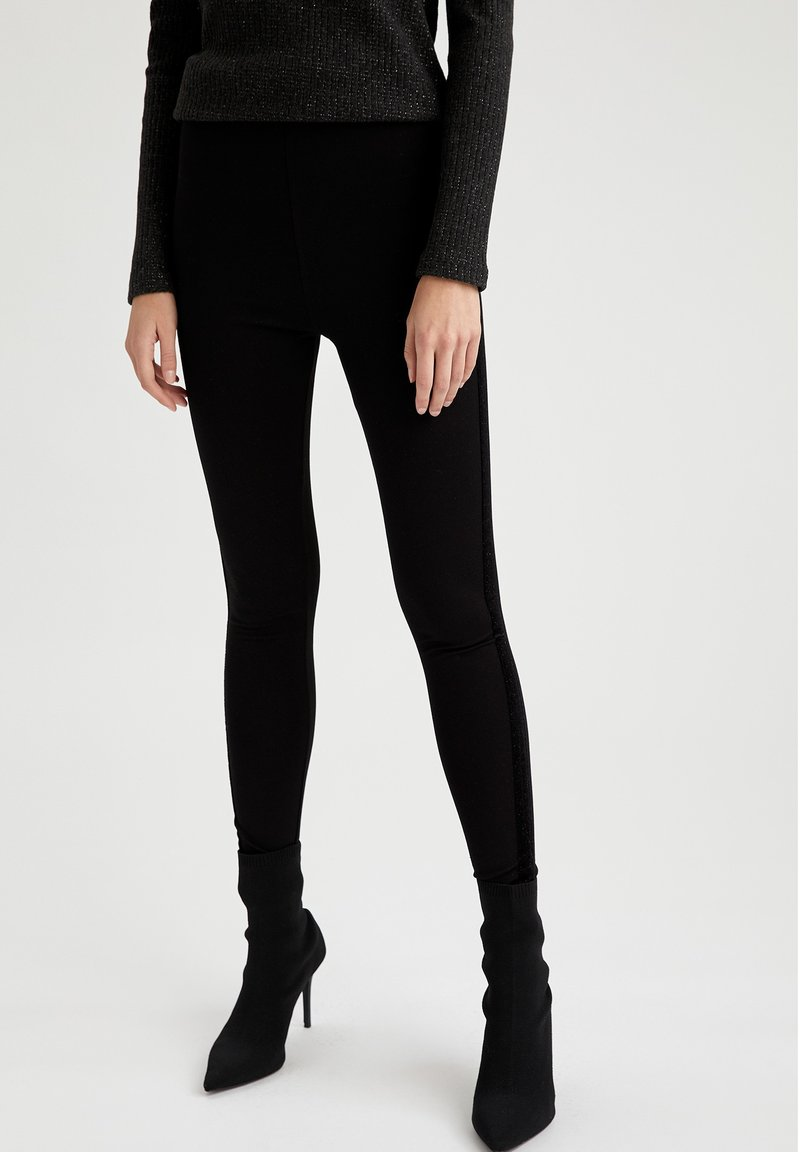 DeFacto - Leggingsit - black