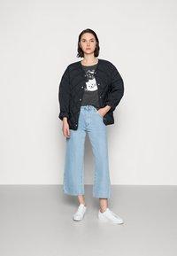 Mavi - CATS PRINTED TEE - Print T-shirt - phantom - 1