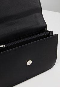 Vero Moda - VMSIBBA CROSS OVER BAG - Across body bag - black - 4