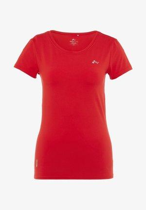 ONPCLARISSA TRAINING TEE - T-shirt basic - flame scarlet