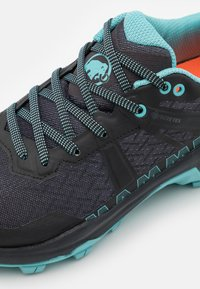 Mammut - SERTIG II LOW GTX - Hiking shoes - black/dark frosty - 5