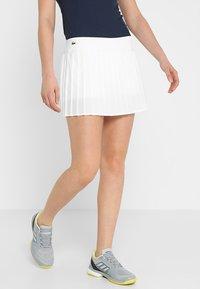 Lacoste Sport - TENNIS SKIRT - Sportovní sukně - white - 0