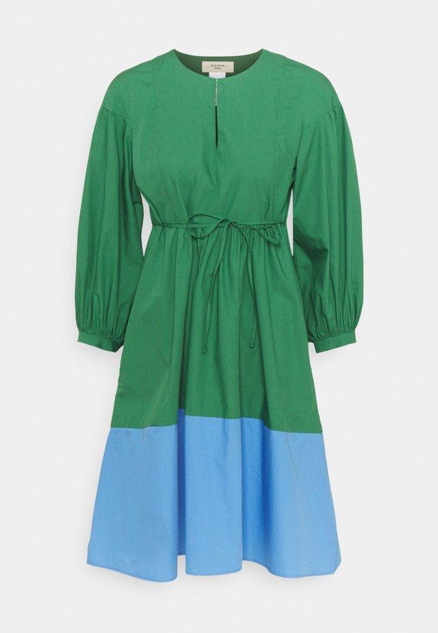 SALA - Day dress - gruen
