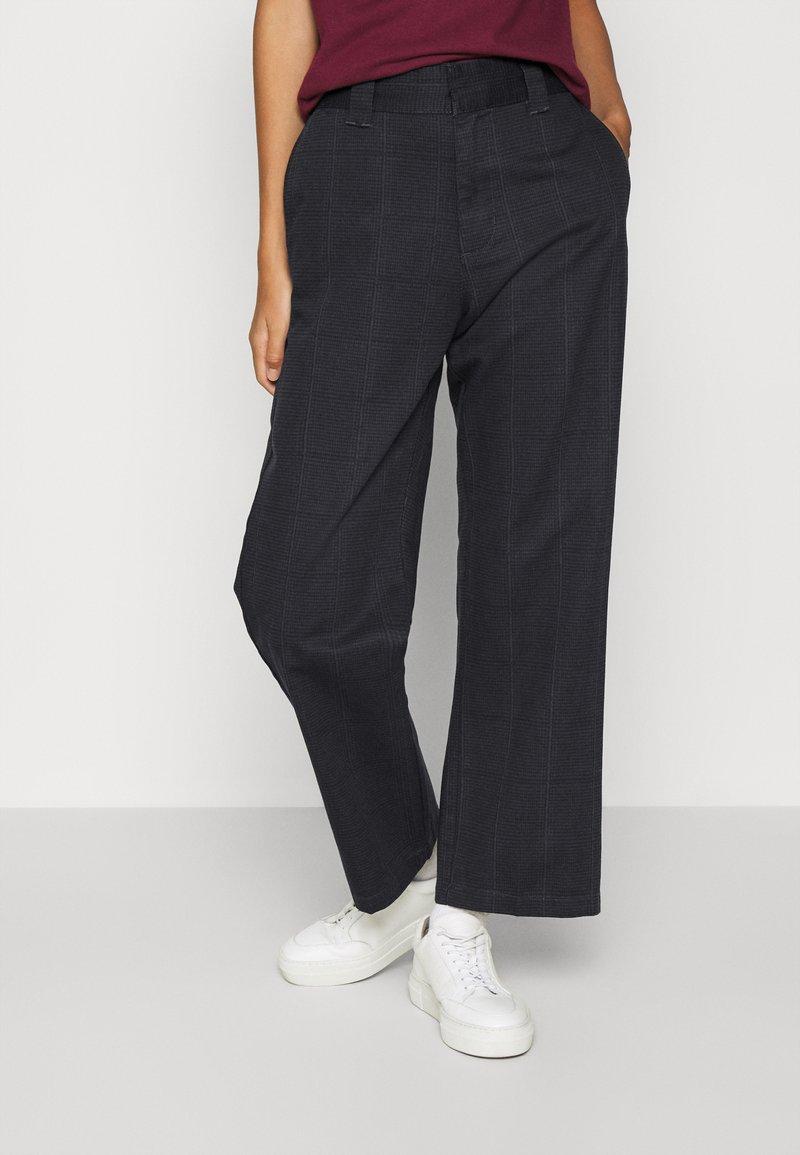 Obey Clothing - CREEPER PANT - Chino kalhoty - blue/multi