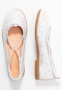 Unisa - SEIMY - Ankle strap ballet pumps - white glitter - 0