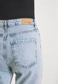 Gina Tricot - DAGNY HIGHWAIST - Relaxed fit jeans - sky blue destroy - 3
