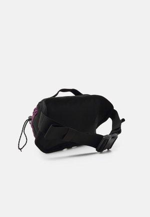 BOZER HIP PACK UNISEX - Bum bag - pikes purple/black