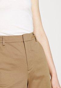 Scotch & Soda - ABOTT REGULAR FIT - Chino kalhoty - sand - 3