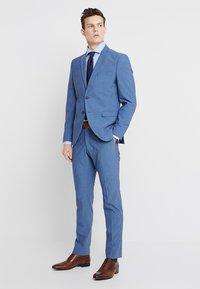 Seidensticker - SLIM SPREAD KENT PATCH - Formal shirt - hellblau - 1