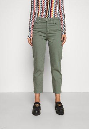 AVELON - Straight leg jeans - agave green