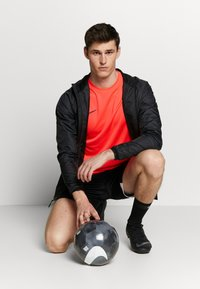 Nike Performance - DRY ACADEMY - Print T-shirt - laser crimson/valerian blue - 1